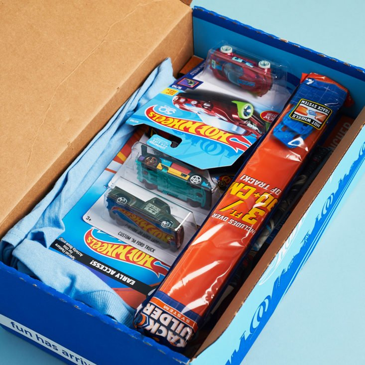 Hot Wheels Challenge Accepted Box Review – December 2017 ...