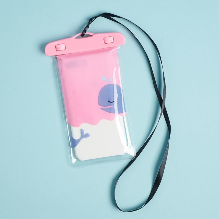 quirky crate phone pouch and lanyard