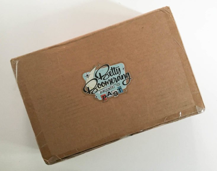 Betty Boomerang Subscription Box Review October 2018 - Box Closed Top