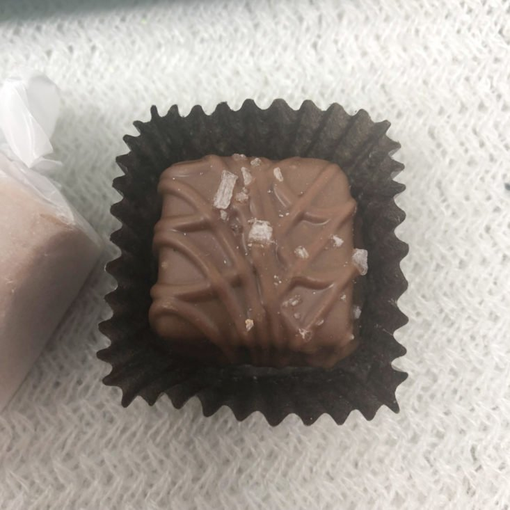 """Vine Oh! """"Oh! Happy Day"""" Box Review Spring 2019 - Salty & Sweet Friends Sea Salt Caramels Sampler 1 Top"""