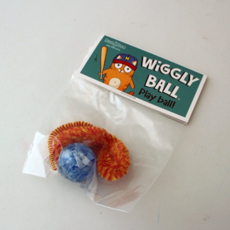Meowbox September 2019 - Dezi and Roo Wiggly Ball Top